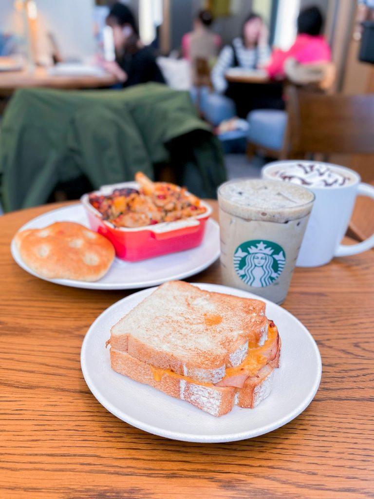 台北時代寓所 - 星巴克早餐
